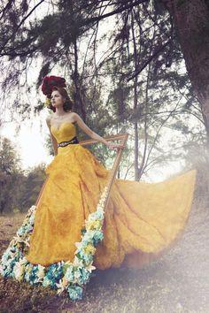 Yellow Gown. De Profundis Clamavi