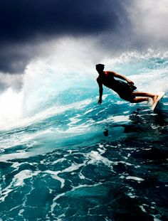 Surfing holidays is a surfing vlog with instructional surf videos, fails and big waves No Wave, Kitesurfing, Big Waves, Ocean Waves, Surf Mar, Sports Nautiques, Surfing Pictures, Skate Surf, Surf Style