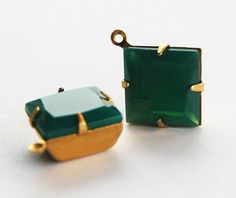VINTAGE 2 GLASS BEAD PENDANTS DROPS DANGLES SQUARE 12mm JADE CHRYSOPHRASE GREEN #Faceted