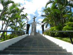 Ao fundo, Igreja do Céu - Viçosa do Ceará - Brasil