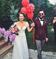 #gelinlik #dress #düğün #gelin #damat #wedding #white #family #balon #gelinbuketi #nişan #kına #burcubiricik #dügünpastası #davetiye #dugunmodasi #nikah #davet #instagram #damatlık #flower #home #gelinsaçı #dugunfotografcisi #photography #photographyislifee #konsept #nature #nedime #happy