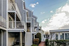 Introducing a beautiful Oceanside townhouse condo. http://liladel.re/8OceansidePl