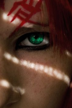 Red Demon by ~archangel-michael-01 Great picture of a cosplayer's eye :) Gaara <3