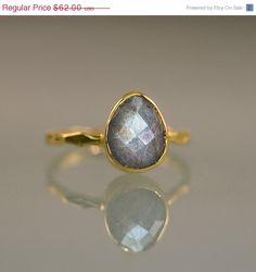 SALE  Labradorite Ring Stacking Rings  Gemstone Ring  von delezhen, $55,80