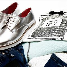 Perfect Style // Kisura GmbH: #silvershoes #shoes #ootd #shiny #metallic #flacon #outfit #cool #relaxed #styling #style #trend #chanel #silber #cute #chic #fresh