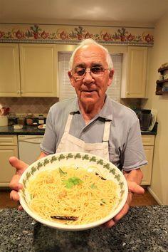 Spaghetti Aglio e Olio Recipe. Hello everybody! Today I would like to share with you my spaghetti aglio e olio recipe, which simply translates to spaghetti garlic and…. Spaghetti Aglio Olio Recipe, Aglio E Olio Recipe, Pasta Aglio E Olio, Italian Pasta, Italian Dishes, Italian Recipes, Italian Foods, Italian Cooking, Pasta Recipes