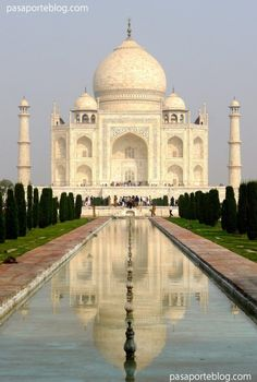 """""""Taj Mahal"""", one of the seven wonders of the modern world. Travel to India »"""