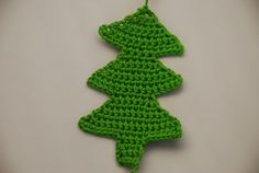 Crochet Christmas tree pattern and tutorial: Crocheted Xmas tree section complete