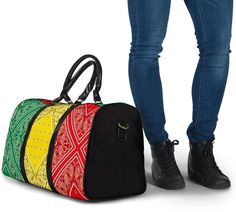 Bandana Styles, Red Bandana, Waterproof Fabric, Travel Bags, Shoulder Strap, The Originals, Luxury, Classic, Traveling