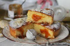 Torta Cesira con yogurt, mandorle e marmellata