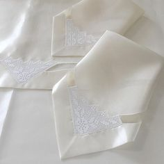 . Table Runners, Diy And Crafts, Napkins, Knitting, Tableware, Instagram, Dish Towels, Layette, Sewing Projects