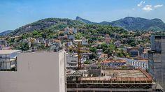 O mais charmoso de todos os bairros, Santa Teresa, visto do Centro da Cidade... Rio de Janeiro, Brasil.