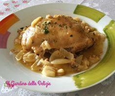 La sovracoscia di pollo alle cipolle è un modo semplice, delicato e saporito per cucinare questa carne bianca tanto ricca quanto dietetica e salutare