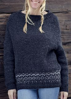 Froya is a raglan hybrid sweater with a stranded hearts pattern ♥