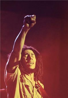 """I'm listening to Bob Marley and The Wailers. """"Sun Is Shining,"""" """"Could You Be Loved,"""" """"Natural Mystic,"""" & """"Satisfy My Soul. Bob Marley Kunst, Bob Marley Art, Bob Marley Quotes, Image Bob Marley, Bob Marley Legend, Reggae Bob Marley, Dancehall Reggae, Reggae Music, Music Lyrics"""