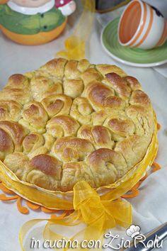 Torta delle rose alla zucca senza uova - In cucina con Zia Ralù Zia, Apple Pie, Pasta, Desserts, Food, Brioche, Tailgate Desserts, Deserts, Essen
