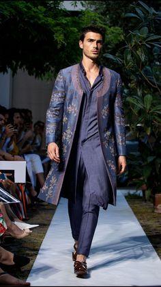 India Fashion Men, Indian Men Fashion, Mens Fashion Suits, Groom Fashion, Milan Fashion, Sherwani For Men Wedding, Wedding Dresses Men Indian, Wedding Dress Men, Wedding Wear