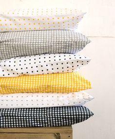 yellow, white, black and gray poke dot pillow cases. Yellow Pillow Cases, Yellow Pillows, Black Pillows, Geometric Patterns, Textiles, Sweet Home, Blog Deco, Mellow Yellow, Grey Yellow