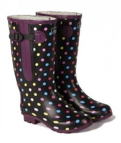 Wedding wellies can also be custom made to a pantone colour that suits your wedding dress or bridemaid dresses.