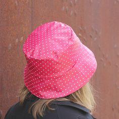 Sombreros - Sombrero impermeable - Lunares rosa - hecho a mano por  LoLahn-Handmade en a8d1c6123de