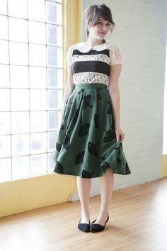 b jones style skirt / modcloth Look Vintage, Vintage Skirt, Pretty Outfits, Beautiful Outfits, Beautiful Clothes, Modest Fashion, Skirt Fashion, Conservative Fashion, Retro Chic