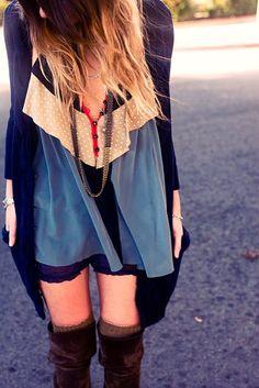 Boho fall Fashion: silk blouse, cardigan, Shorts and overknees Fashion Moda, Look Fashion, Autumn Fashion, Womens Fashion, Fashion Killa, Fashion Shoes, Estilo Folk, Estilo Hippie, Boutique Fashion