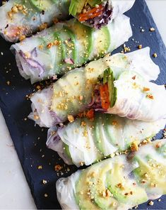 Spring rolls, winter vegetables and homemade miso sauce - Gratin - Rice Recipes Healthy Salad Recipes, Veggie Recipes, Asian Recipes, Vegetarian Recipes, Rice Noodle Recipes, Rice Cooker Recipes, Cooking Recipes, Chefs, Salads