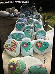 Awesome rock painting ideas #rockpainting #paintedrock #paintedstone #rockart #paintedrockideas #rockideas #stoneart #atonecraft
