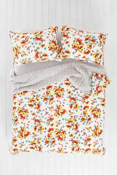 Plum & Bow Ava Floral Seed Quilt - Urban Outfitters #UOonCampus #UOContest