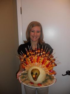 turkey veg. tray | Turkey shaped fruit and veggie tray lets do this for our thanksgiving ...