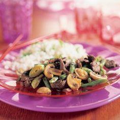 Roergebakken biefreepjes met sperziebonen en champignons