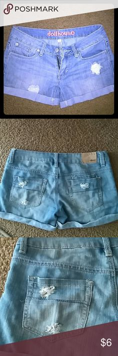 SHORTS Dollhouse cute in really good condition, distressed the SHORT size is 1 but i would say is more like 2' Shorts Jean Shorts