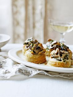 Try this mushroom vol au vent recipe from Jamie Oliver, a wonderful winter warmer whatever the occasion. You could try other vol au vent fillings, too. Vol Au Vent, Mushroom Recipes, Vegetable Recipes, Vegetarian Recipes, Cooking Recipes, Vegetarian Canapes, Tapas, Creamy Mushrooms, Stuffed Mushrooms
