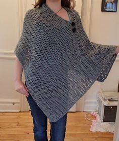 Ravelry: Project Gallery for Customizable Crochet Poncho pattern by Patti Gonsalves. Looks like a Quincy Photo Shoot Poncho, Poncho Au Crochet, Crochet Poncho Patterns, Crochet Shawls And Wraps, Knit Or Crochet, Crochet Scarves, Crochet Clothes, Crochet Stitches, Free Crochet, Knitting Patterns
