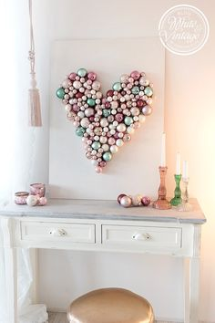 DIY Wanddeko im Boho Stil selber machen. DIY Deko – Wallhanging with Tassels Source by The post DIY Wanddeko im Boho Stil selber machen. DIY Deko – Wallhanging with… appeared first on Kunex. Christmas Baubles, Christmas Diy, Diy Wanddekorationen, Mur Diy, Room Decor For Teen Girls, Diy Y Manualidades, Diy Wall Decor, Home Decor, Diy Candles