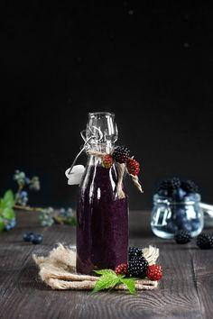 7 koktajli na 7 dni tygodnia. Czy warto jeść mrożone owoce? - FitSweet Matcha, Snow Globes, Drinks, Diet, Pineapple, Drinking, Beverages, Drink