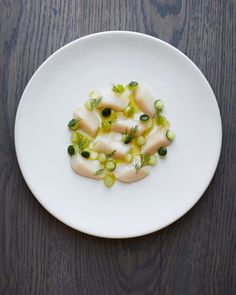 Scallop Ceviche, China Food, Dinner Party Recipes, Always Hungry, Food Goals, Culinary Arts, Food Presentation, Food Plating, Vinaigrette
