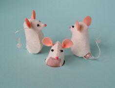 cute felt mouse hearing aid case