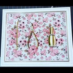 WEBSTA @ daiahh_dias - Olhem meninas que linda essa ideia de decoração para seu ambiente de trabalho ..Não sei quem fez mais ela está de parabéns ficou perfeito o quadro❤️. #decorar #decoracao #quadro #manicure#Boatarde