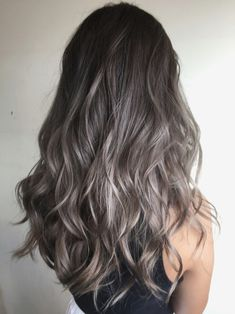 Long Shaggy Bob - Brown Ombre Hair Solutions for Any Taste - The Trending Hairstyle Brown Hair With Blonde Highlights, Brown Hair Balayage, Brown Ombre Hair, Brown Hair Colors, Ash Grey Hair, Ashy Hair, Grey Wig, Brown To Blonde, Hight Light
