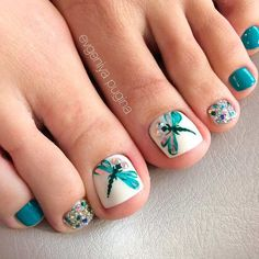 51 Ideas pedicure nail art summer for 2019 Pretty Toe Nails, Cute Toe Nails, Fancy Nails, Trendy Nails, Gorgeous Nails, Pretty Pedicures, Pedicure Nail Art, Toe Nail Art, Gel Nail