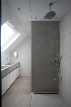4 Sensible Tips: Attic Wood Built Ins attic design pictures.Attic Wardrobe Ikea attic apartment tips.Attic Bathroom Walk In. Loft Bathroom, Bathroom Toilets, Small Bathroom, Attic Renovation, Attic Remodel, Bad Inspiration, Bathroom Inspiration, Attic Closet, Attic Wardrobe