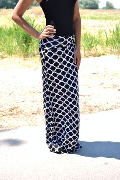 Graphic patterned black and white Maxi skirt. Easy sophistication. #fashion