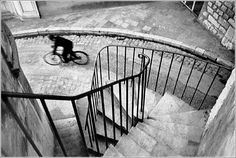 Using lines and geometry in your photography. Photo by Henri Cartier-Bresson