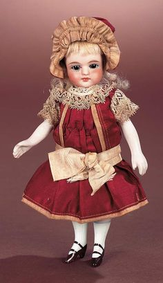 Antique Dolls and Toys of LEGO - Session 3: 874 German All-Bisque Mignonette in Original Costume
