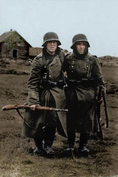 """1942 : A pair of tired Wehrmacht soldier of the mighty German Army in Stalingrad, USSR From the book """"Stalingrad by Peter Antill"""" Stalingrad was the decisive storm that would lead to the annihilation of an all conquering army – the German Sixth Army. German Soldiers Ww2, German Army, Military Photos, Military History, Luftwaffe, Battle Of Stalingrad, Germany Ww2, War Photography, War Machine"""