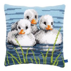 3 Ducklings Chunky Cross Stitch Cushion Front kit By Vervaco Cross Stitch Needles, Cross Stitch Bird, Cross Stitch Animals, Cross Stitch Designs, Cross Stitch Embroidery, Embroidery Patterns, Cross Stitch Patterns, Cross Stitch Cushion, Animal Pillows