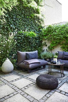 Garden Design Backyard - New ideas Pergola Garden, Outdoor Pergola, Garden Seating, Backyard, Outdoor Decor, Small Courtyards, Pergola Designs, Garden Projects, Outdoor Gardens