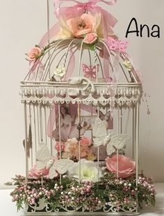 Bird Cage Decoration Home Inspiration 64 New Ideas Wedding Gift Card Box, Large Flower Arrangements, Diy Bird Bath, Diy Cans, Diy Bird Feeder, Shabby Chic Farmhouse, Bird Crafts, Pretty Birds, Shabby Vintage