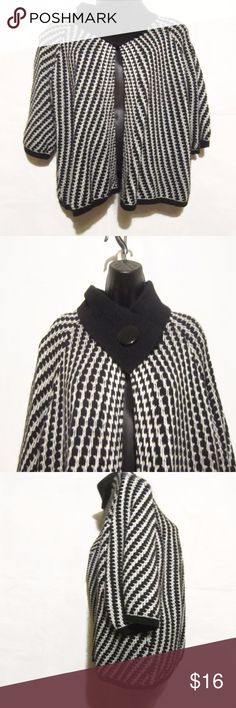"""Valerie Bertinelli  Open Front Wool Blend Cardigan Classy and Sophisticated Cardigan  Large Button Neck Closure   Black and White   Great Cardigan for Work or Casual   High Quality Fabric 67/33 Acrylic/Wool  Women's Size Plus Size 1X Measures Armpit to Armpit 23"""" Length Shoulder to Hem 27""""  Gently Worn Pre-Owned Condtion  Classy Cardigan!   Smoke Free Environment Valerie Bertinelli Sweaters Cardigans"""